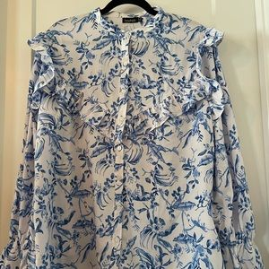 NWOT BOOHOO White & Blue Floral Button Dow…
